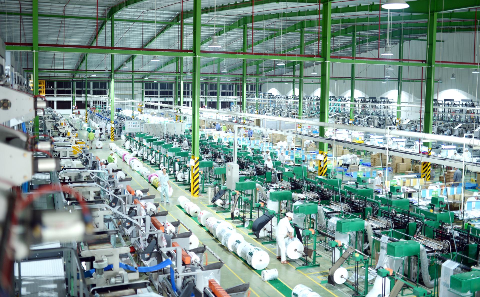 Nhà máy của An Phát Holdings sản xuất bao bì màng mỏng và sản phẩm sinh học phân hủy hoàn toàn AnEco.